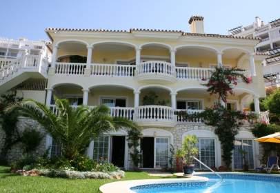 Casa en calle Centauro de Riviera