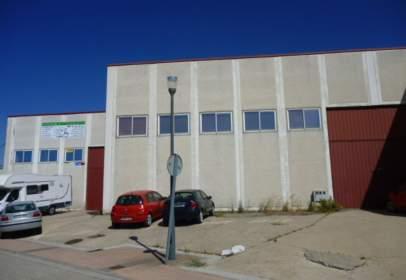 Commercial building in Avenida de Pedernales, nº 3