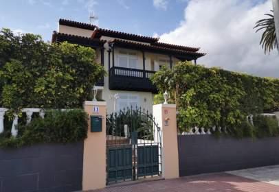 Single-family house in calle Platanera