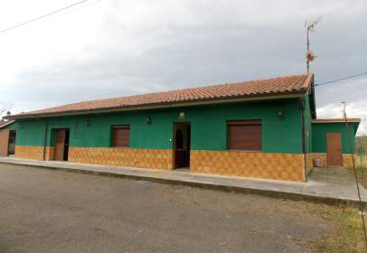 Casa en calle La Obra