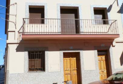 Paired house in calle del Calvario, nº 78