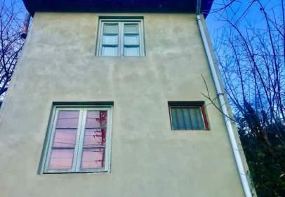 Casa en calle Pola de Laviana, nº 1