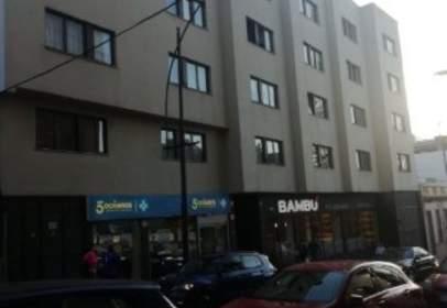 Apartamento en Avenida Sor Soledad Cobián