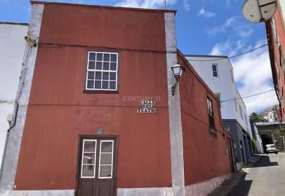 Casa en calle Licenciado Bueno, nº 17