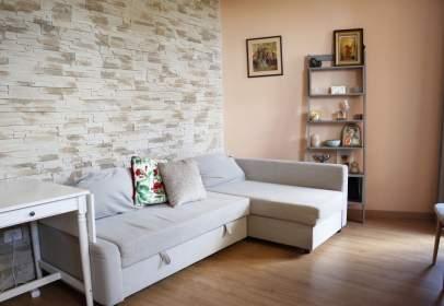 Apartamento en calle Ramiro de Maezto
