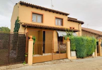Casa en calle Molina de Aragon