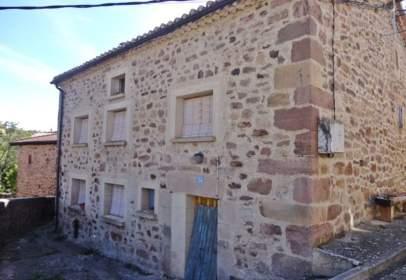 Casa adosada en calle de San Esteban