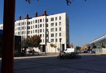 Apartament a Universidad - Las Huelgas