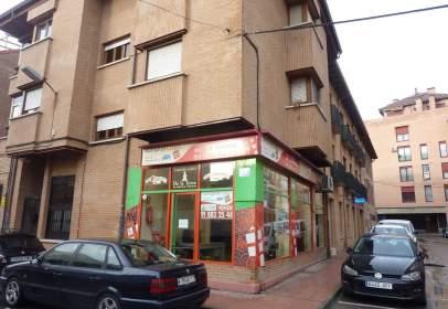 Local comercial en calle Divino Vallés, nº 5