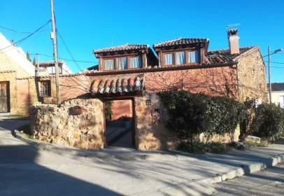 Casa en calle de La Fuente, nº 2