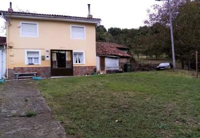 Casa pareada en calle El Valle, nº 1