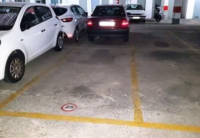 Garatge a calle Monasterio de Poblet