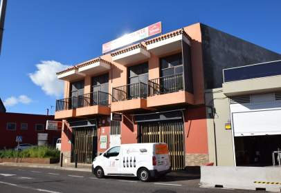 Local comercial a Camino de San Bartolomé de Geneto, prop de Calle de la Princesa Yralla