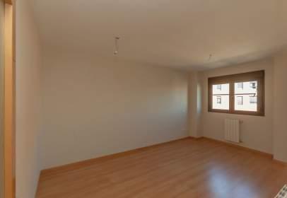 Apartamento en calle de Puentedey, nº 5