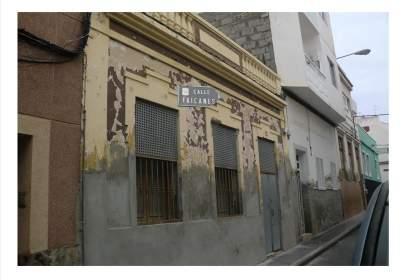 Casa aparellada a calle Faicanes
