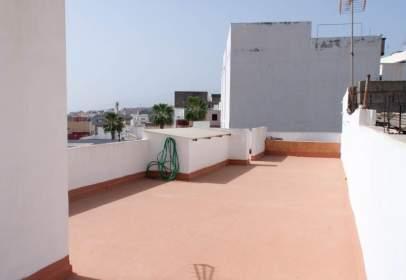 Building in calle Agrupación Bincheny
