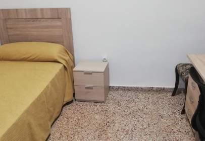 Apartamento en calle de la Azucena