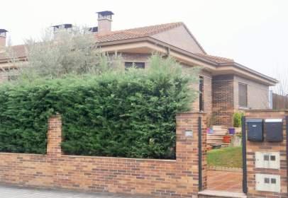 Casa adosada en calle Luis García Berlanga