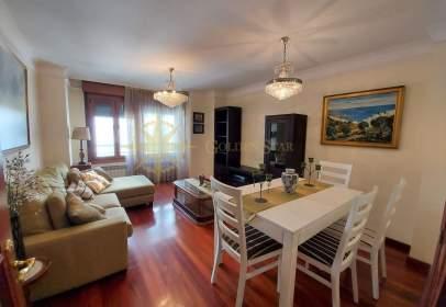 Apartamento en calle Marqués de Casa Valdés