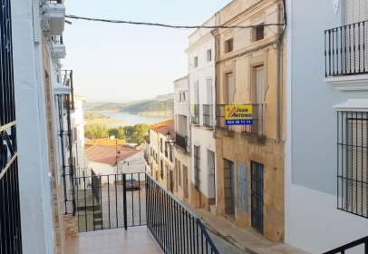 Paired house in calle Baños, nº 12