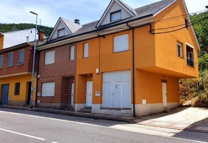 Terraced house in calle Carretera, nº 51