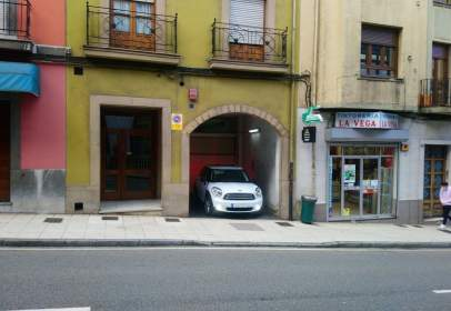 Garage in calle de Azcárraga, 19