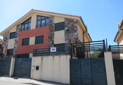 Casa adossada a calle de la Cruz, nº 6