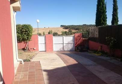 Casa adosada en calle Julio Gonzalo, nº 273