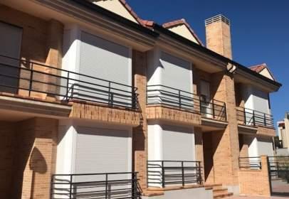 Casa aparellada a Carretera de Valladolid