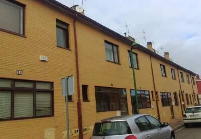 Casa pareada en calle Évora