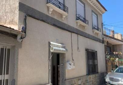 Casa adossada a calle de las Moreras
