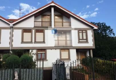 Casa pareada en calle Barrio La Gerra