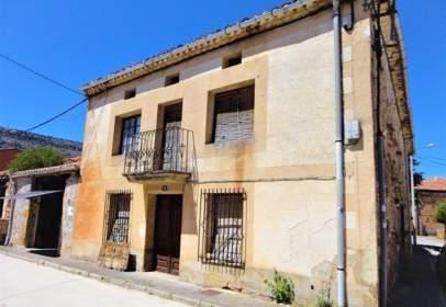 Casa adosada en calle del Santo Domingo