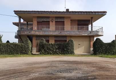 Casa en Carretera de Madrid a La Coruña, 62