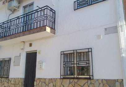 Casa aparellada a Carranque
