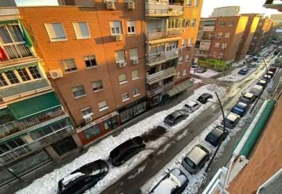 Apartamento en calle de Badajoz