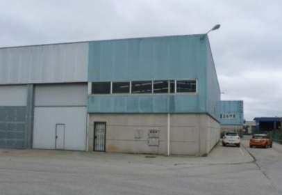 Industrial Warehouse in calle de Gregorio López Bravo, near Calle del Escudo