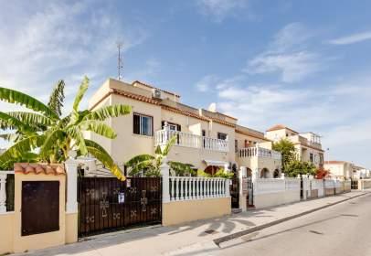 Casa aparellada a calle Avellaneda, nº 8