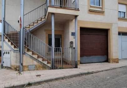 Casa aparellada a calle de La Coruña