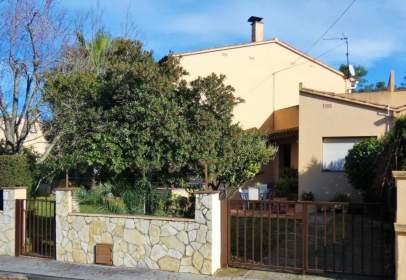 Casa en calle Oreneta