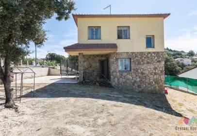 Casa en Avenida de Maello, nº 48