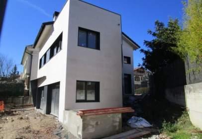 Casa en calle de Iturbarren