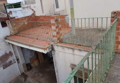Casa aparellada a calle Salud, nº 13