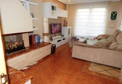 Casa aparellada a calle de Doña Sol