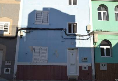 Casa aparellada a calle Menceyes, nº 57