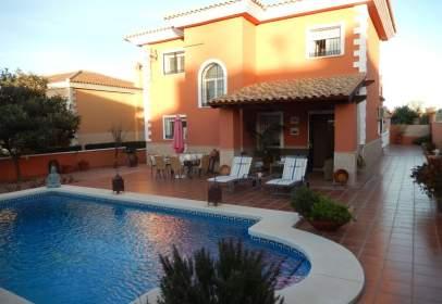 Casa en calle Sierra de Las Nieves