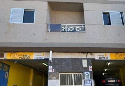 Apartamento en calle Santo Tomás de Aquino