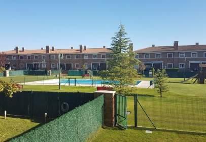 Paired house in calle Urbanizacion Grijota Golf