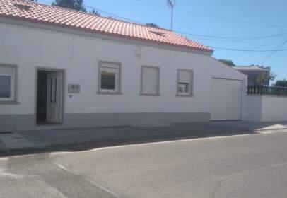 Casa adosada en calle Lugar Cabovila