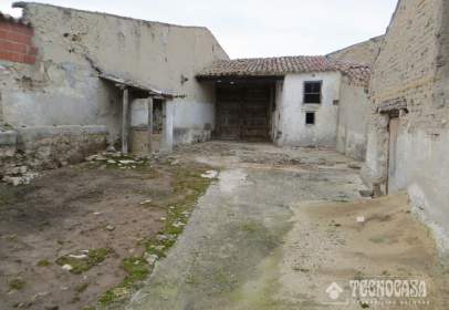Terraced house in Velliza